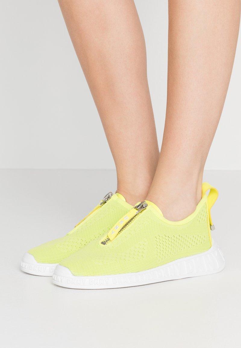 DKNY - MELISSA ZIPPER - Zapatillas - neon green