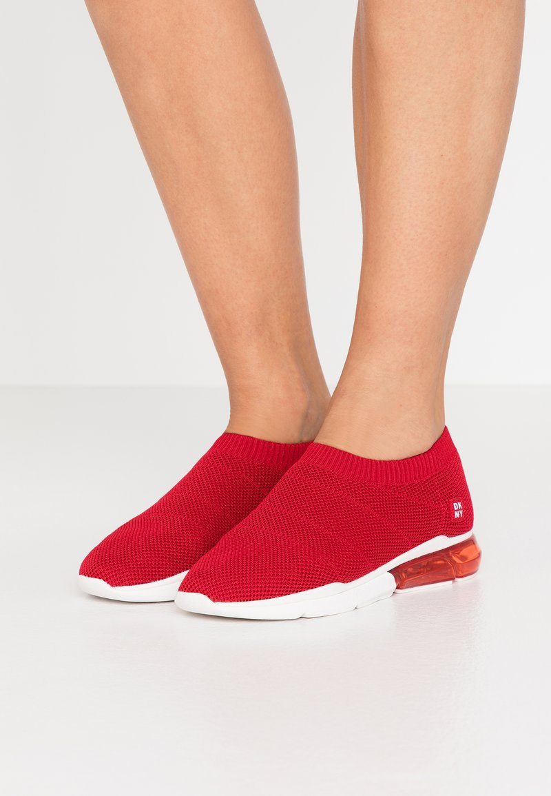 DKNY - PENN  - Nazouvací boty - red