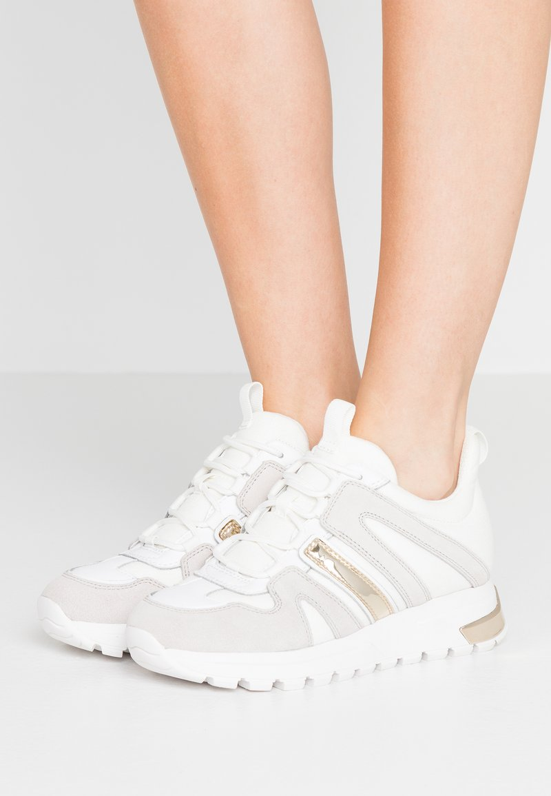 DKNY - MAY LACE UP  - Sneakers laag - white
