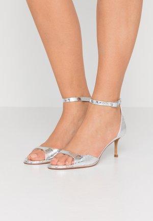 GISELLE ANKLE STRAP  - Sandalen - silver