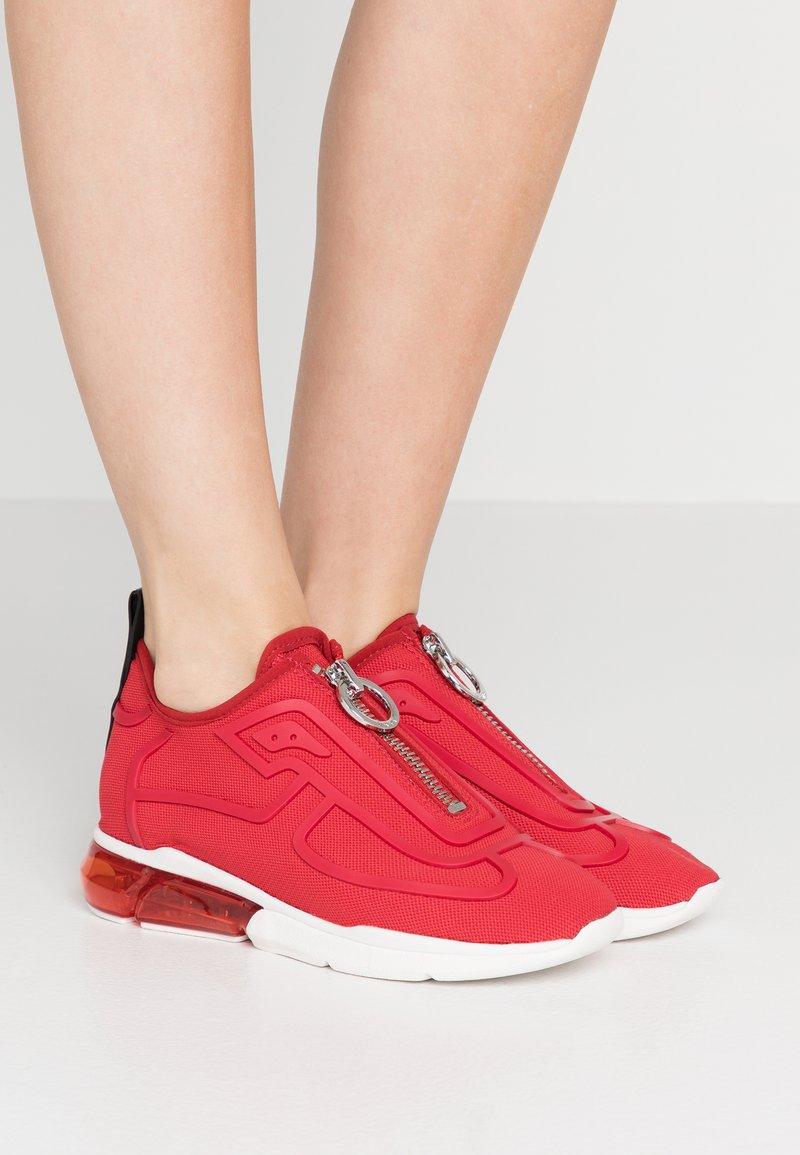 DKNY - NILLI ZIPPER - Sneakers - red