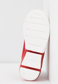 DKNY - NILLI ZIPPER - Sneakers - red - 6