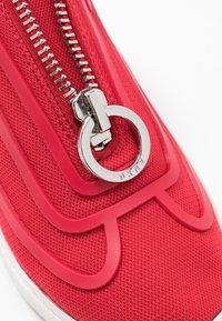 DKNY - NILLI ZIPPER - Sneakers - red - 2