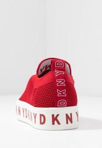 DKNY - BREA - Nazouvací boty - red - 5