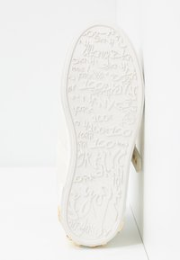 DKNY - STUDZ BANDS  - Sneakers - white - 6