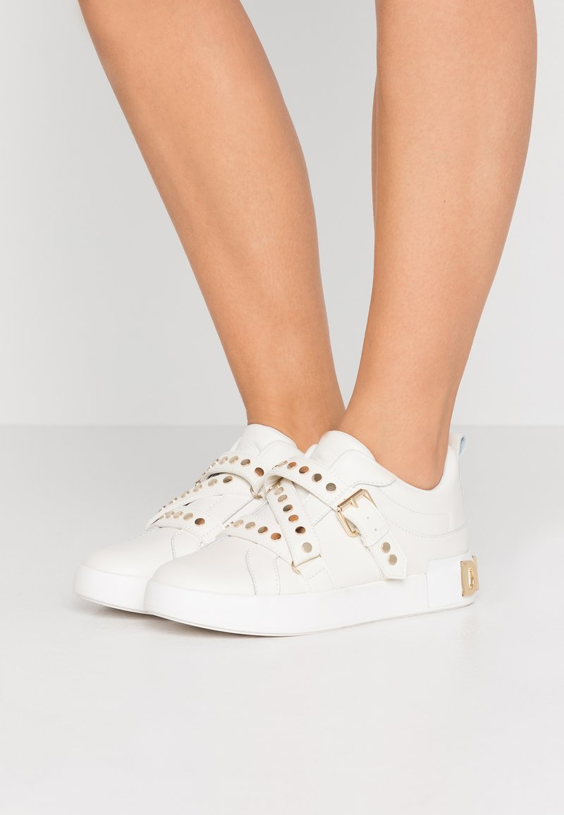 DKNY - STUDZ BANDS  - Sneakers - white