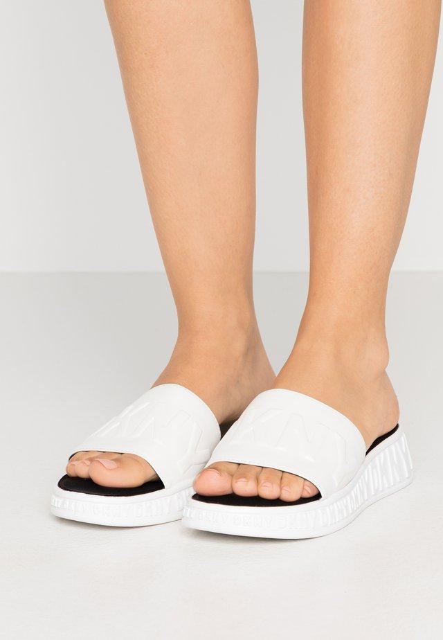 MARA SLIDE - Mules - white