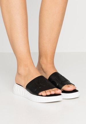 MARA SLIDE - Pantofle - black