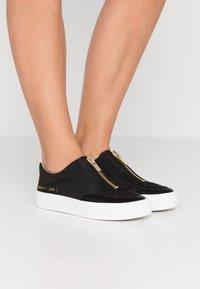 DKNY - RAVYN  - Sneakers - black - 0