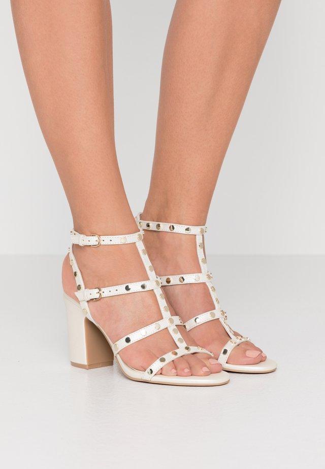 HANZ - High heeled sandals - snow