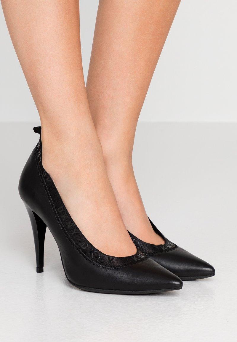 DKNY - KATRINA - Lodičky na vysokém podpatku - black