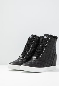 DKNY - CIRA WEDGE - Sneakers high - black - 4