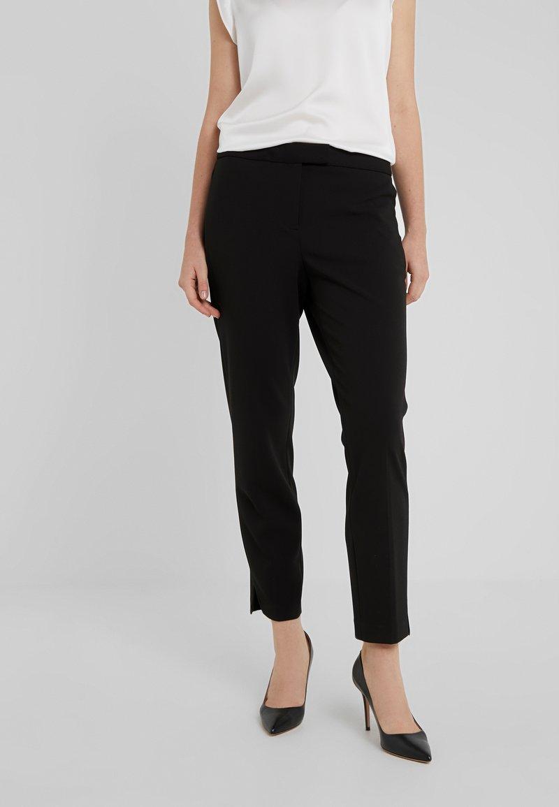 DKNY - FOUNDATION PANT SIDE SLITS - Bukser - black