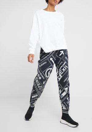 PULL ON JOGGER PANT - Pantalones deportivos - black