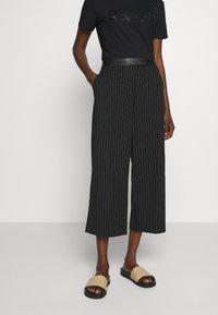 DKNY - WIDE LEG PANT - Pantalones - black/ivory - 0