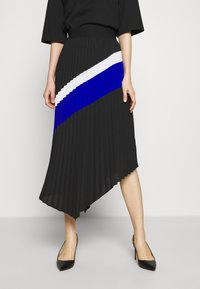 DKNY - PULL ON PLEATED ASYMM - A-snit nederdel/ A-formede nederdele - black/ivory/electric blue - 0