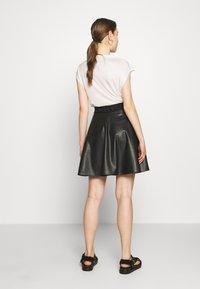 DKNY - CIRCLE SKIRT - A-snit nederdel/ A-formede nederdele - black - 2