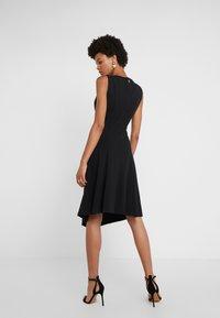 DKNY - CREW NECK HANDKERCHIEF DRESS - Jerseyklänning - black - 2