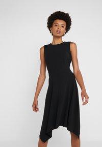 DKNY - CREW NECK HANDKERCHIEF DRESS - Jerseyklänning - black - 0
