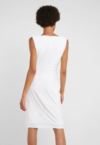DKNY - SHEATH WITH RUCHING - Etui-jurk - ivory - 2