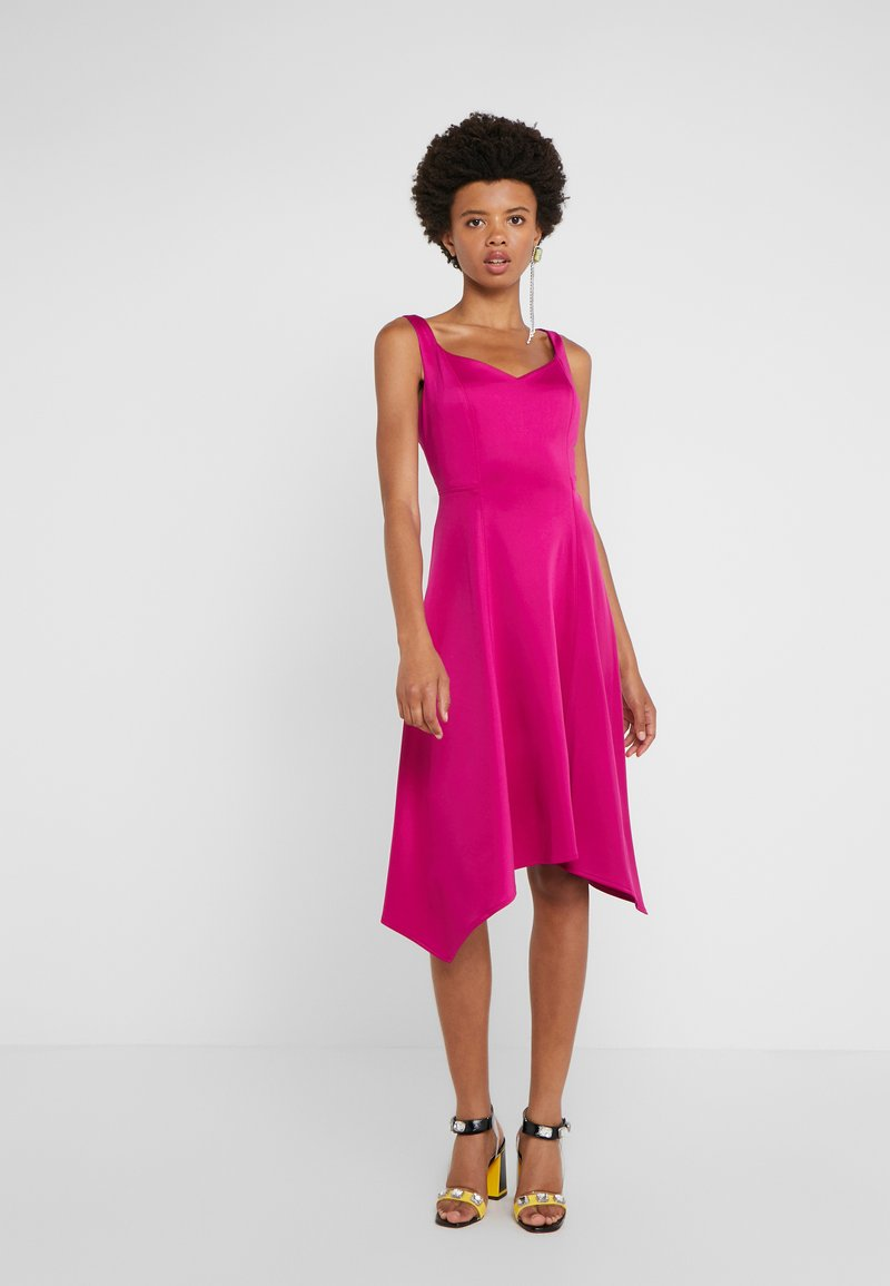 DKNY - SWEETHEART NECK MIDI - Cocktail dress / Party dress - berry