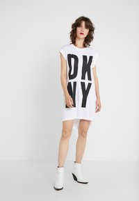 DKNY - EXPLODED LOGO - Jerseyjurk - white - 0