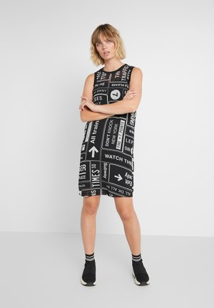 SCOOP LONG DRESS - Vapaa-ajan mekko - black/white