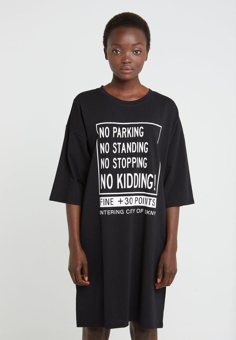 DKNY - ELBOW CREW NECK DRESS - Vapaa-ajan mekko - black