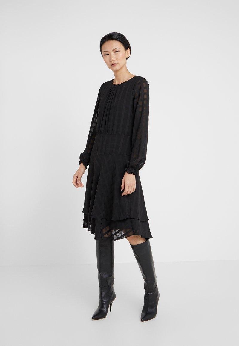 DKNY - FIT FLARE WITH DOUBLE LAYER SKIRT - Denní šaty - black