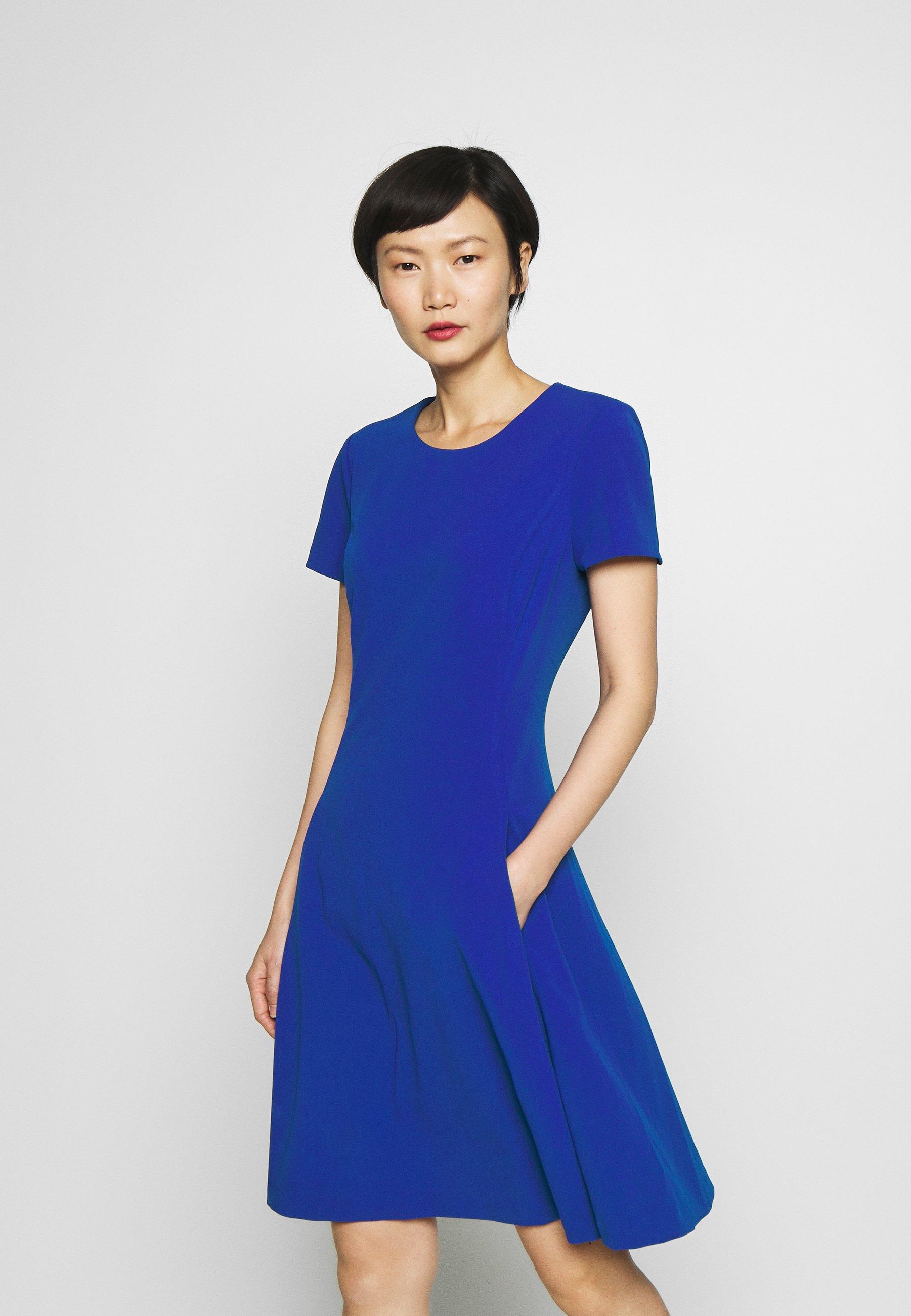 DKNY FIT & FLARE - Sukienka z dżerseju - sapphire
