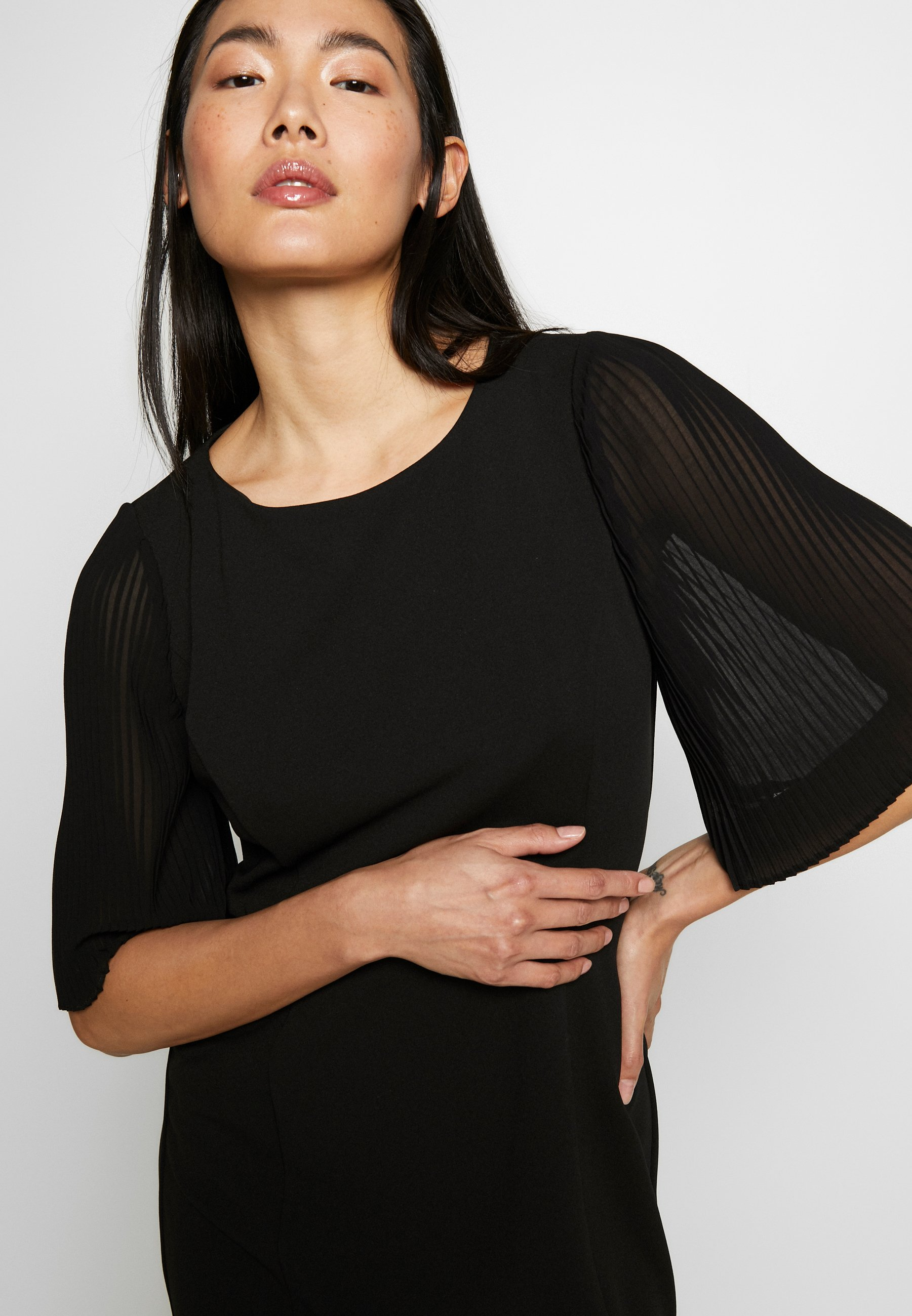 DKNY PLEAT SLEEVE SHEATH - Sukienka etui - black