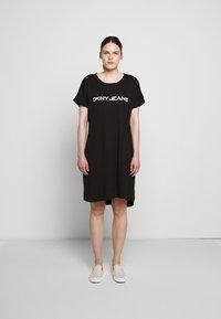 DKNY - LOGO DRESS - Jerseykjoler - black/white - 1