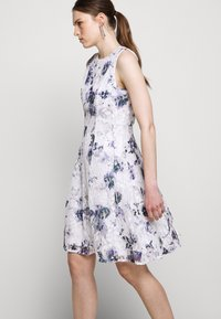 DKNY - RUFFLE EDGE FIT AND FLARE - Cocktailklänning - petunia white/lilac - 3