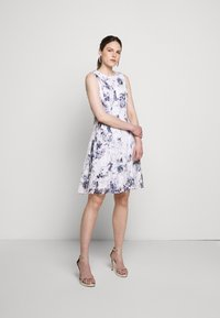 DKNY - RUFFLE EDGE FIT AND FLARE - Cocktailklänning - petunia white/lilac - 1