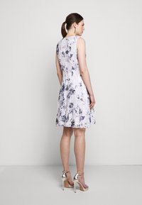DKNY - RUFFLE EDGE FIT AND FLARE - Cocktailklänning - petunia white/lilac - 2
