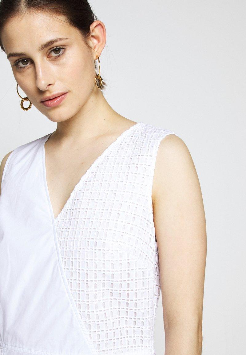DKNY VNECK MIXED MEDIA DRESS - Vestito estivo - white kmMN1A nuovo arrivo