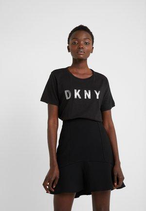 CREW NECK GLITTER LOGO TEE - T-shirt med print - black