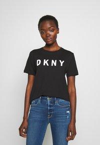DKNY - Triko spotiskem - black/white - 0