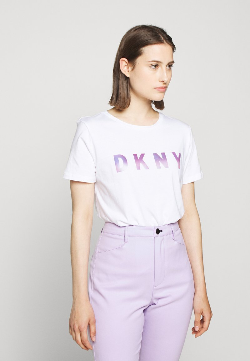 DKNY - OMBRE LOGO - T-shirts print - white/moonstone multi