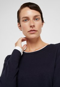 DKNY - CREW LAYERED CUFF - Jumper - new navy/ivory - 3