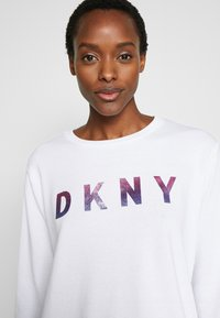 DKNY - OMBRE GLITTER LOGO - Sudadera - white - 4