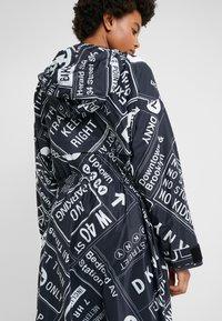 DKNY - LONG ZIP COAT HOOD - Abrigo - black - 3