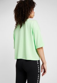 DKNY - CROPPED LOGO TEE - T-shirt med print - spearmint - 3