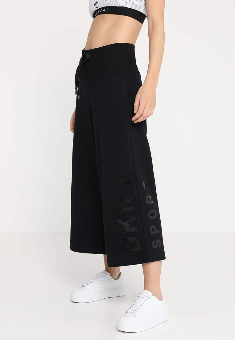 DKNY - CROPPED WIDE-LEG HIGH WAISTED PANT  - Pantalones deportivos - black