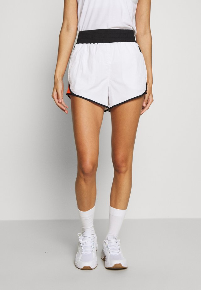 HIGH WAISTCOLORBLOCKED TRACK SHORT - kurze Sporthose - white