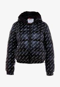 DKNY - LOGO PRINTED PUFFER HOOD - Veste d'hiver - black/white - 5