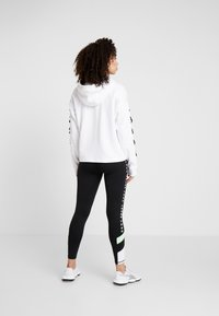 DKNY - HOODED WITH LACE-UP SLEEVE - Sweat à capuche - white - 2