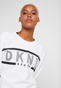 DKNY - EXPLODED STRIPE LOGO - Sweater - white - 4