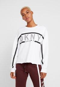 DKNY - EXPLODED STRIPE LOGO - Collegepaita - white - 0
