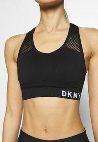 DKNY - MEDIUM IMPACT SEAMLESS BRA REMOVABLE CUPS - Sports-bh'er - black - 6
